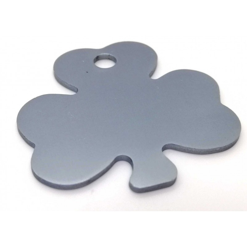https://print.arcdesign.sk/images/products_gallery_images/trojlistok-shamrock-tags-big-strieborny.jpg